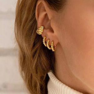 18k Gold Rope Huggie Hoop Trendy Earrings